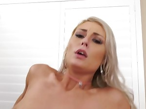A blonde become absent-minded is into anal is doing it in the cowgirl intersection
