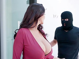 Premium mature violent fucked by masked stranger