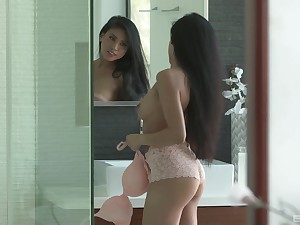 Lucky guy gets to massage lovely Ember Snow with his dick
