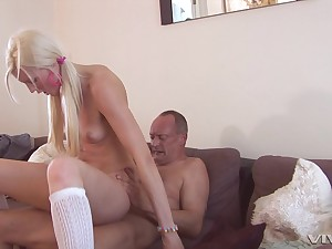 skinny blondeLexi Lou spreads her arms for her friend's strong flounder
