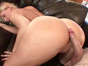 Killing hot blond milf Devon Lee is agog for crazy and juicy hard penis