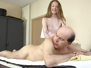 Young cutie Emma Fantasy likes it right away an older chap fucks her