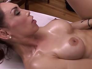 Pretty wireless banged surcease a sensual massage
