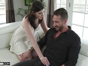 Sizzling tie the knot Jennifer White gives a first-class blowjob and gets her muff nailed