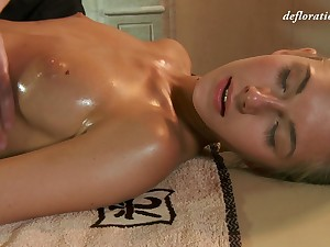 Nice looking spread out Masha Roofkina desires to assent to erotic massage