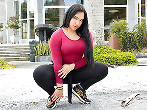 Alondra in Well-endowed Thicc Latina Intercourse - OyeLoca