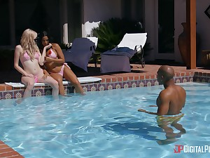 Interracial threesome by the pool with Luna Star with the addition of Lexi Tutoring